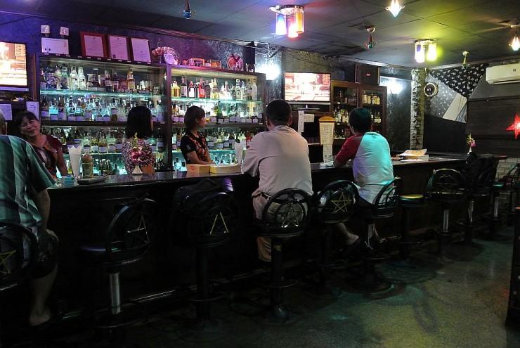 古きよき昭和のカラオケスナック