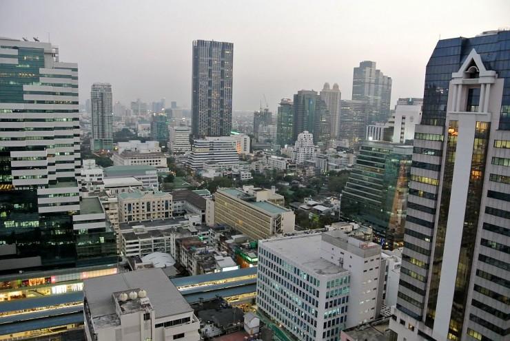 バンコクを代表するオフィス街シーロムエリア